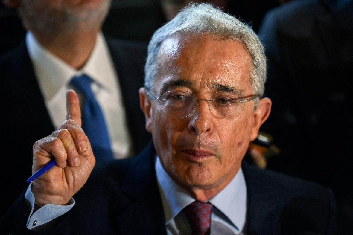 Audiencia Uribe