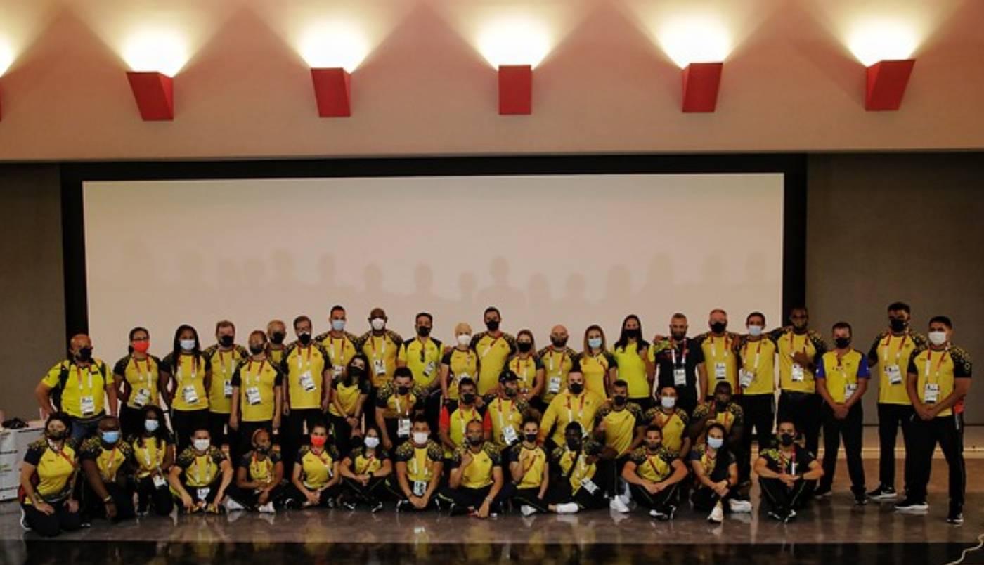 Celebración delegación colombiana en Tokio