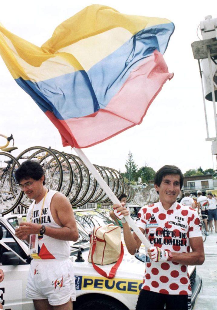 Lucho Herrera fue el primer ciclista latinoamericano en ganar una Grande. Foto: AFP