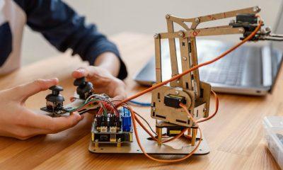 Niños robot minas
