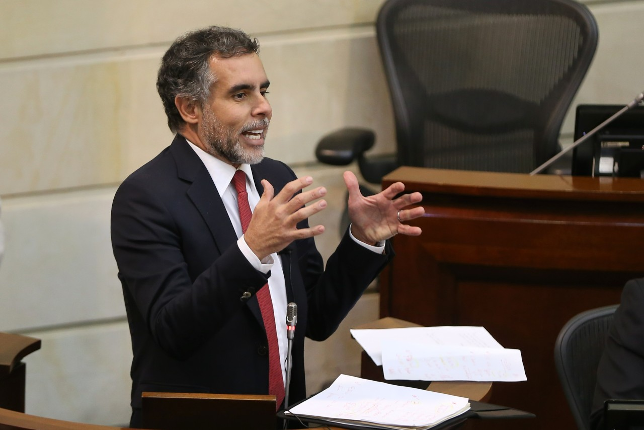 senadores denunciados centros poblados