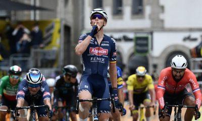 Jasper Philipsen ganador 2 etapa